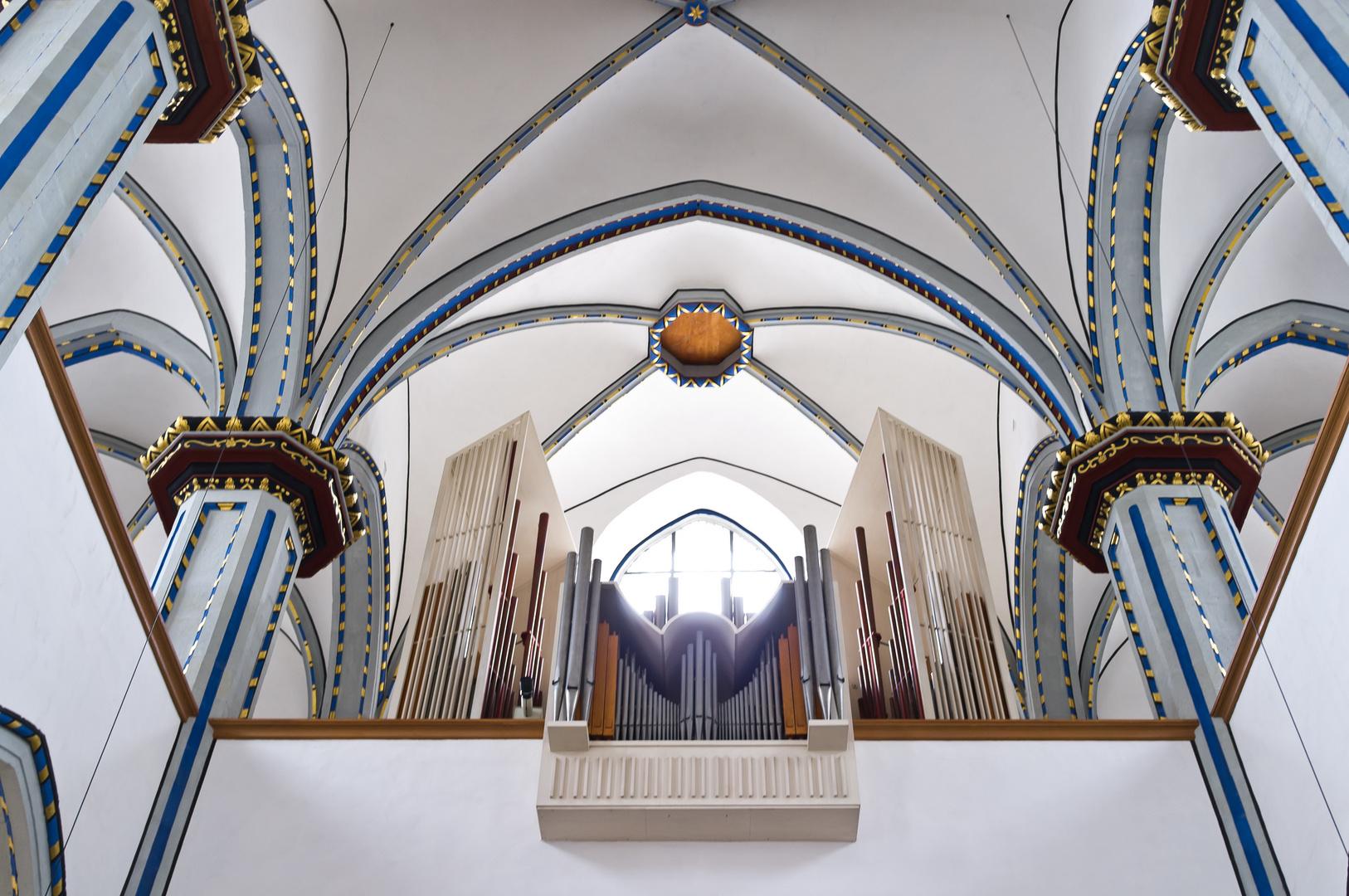 Orgelansicht in der Namen-Jesu-Kirche