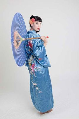 Oriental pin-up