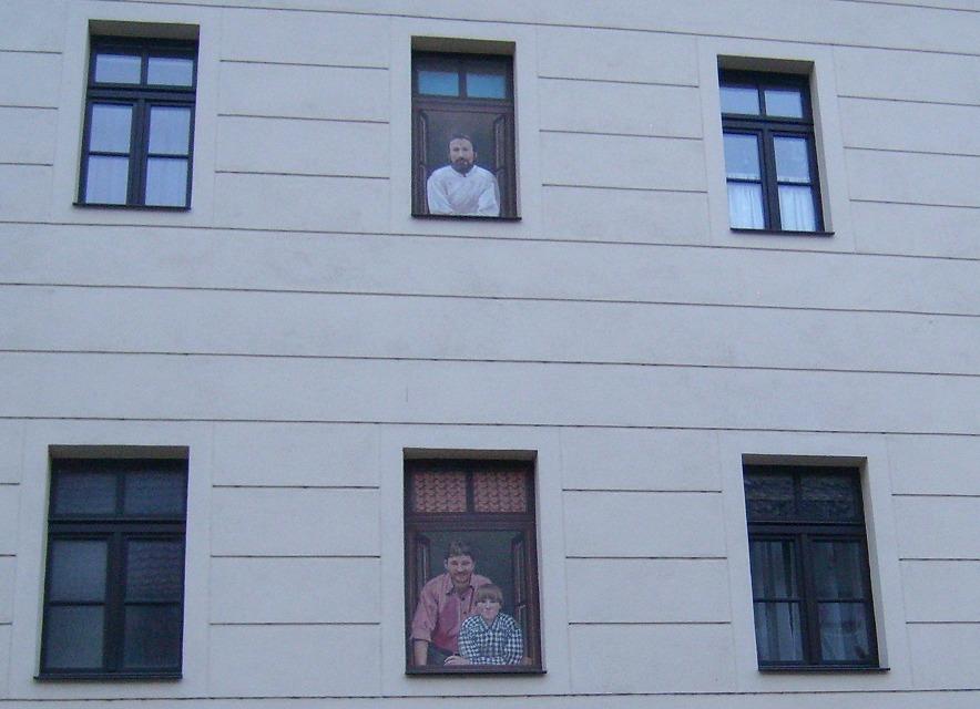 Originelle Fenstergestaltung in Torgau