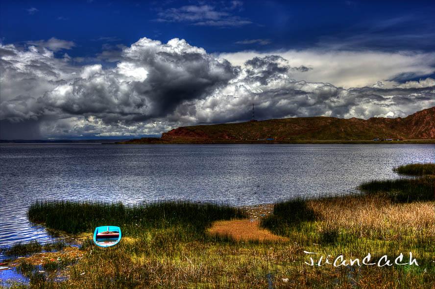 Orilla del lago Titicaca