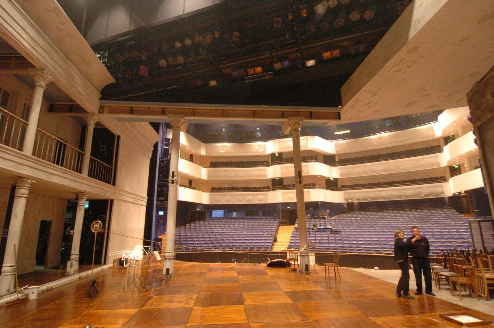 Orpheus in der Unterwelt im Aalto Theater 2005