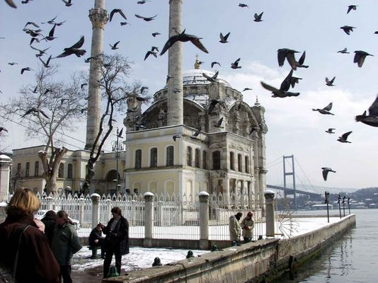 Ortaköy-Camii-Moschee in Istanbul