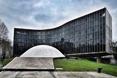 Oscar Niemeryer - French communist Party HQ