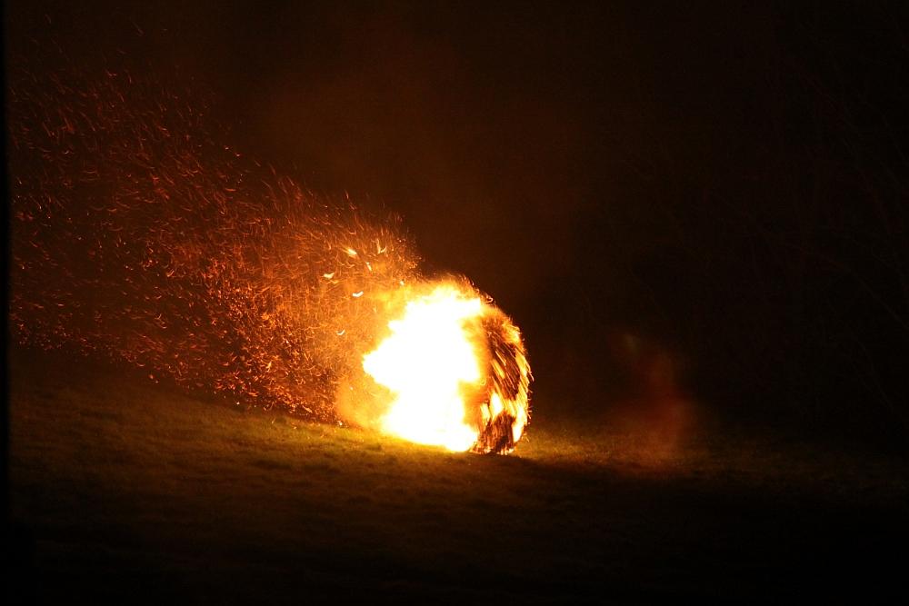 Oster-Feuerräderlauf 02 in Leeste