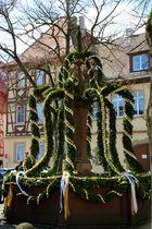 Osterbrunnen am Rathaus in Bad Wimpfen