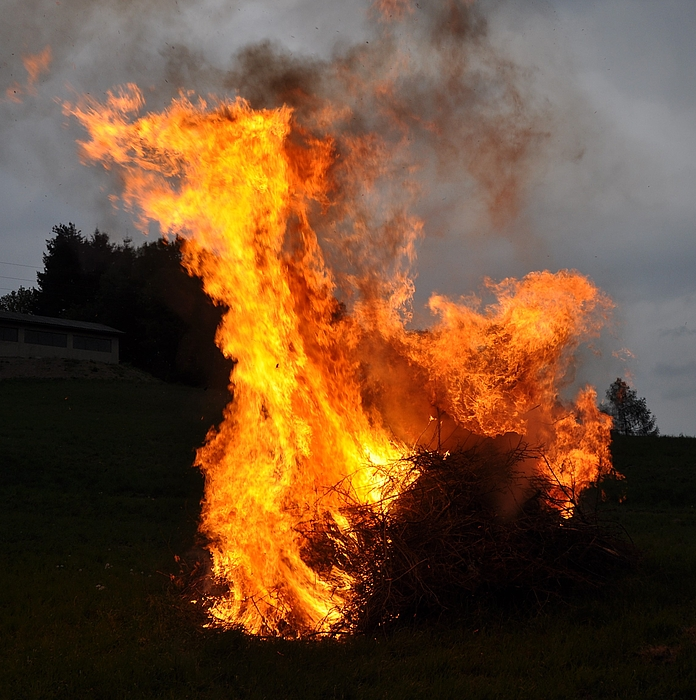 Osterfeuer ....