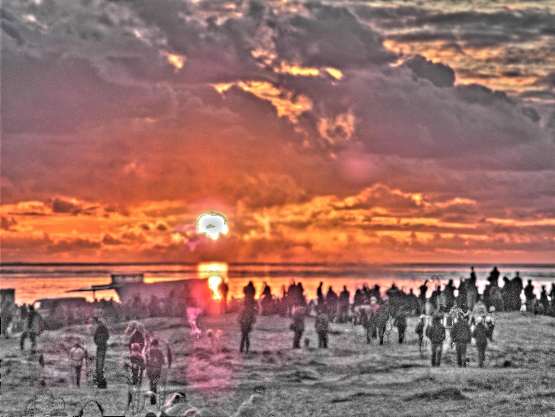 Osterfeuer am Strand in Norddeich Ostfriesland 07.04.2012, 19:47 Uhr