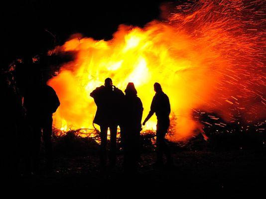 Osterfeuer in Südwestfalen