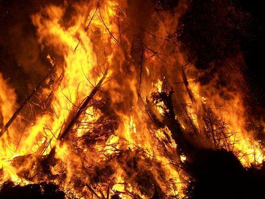 Osterfeuer zu Stecklenberg