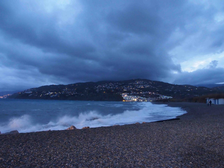 Ostern im Süden - blaue Stunde am Strand