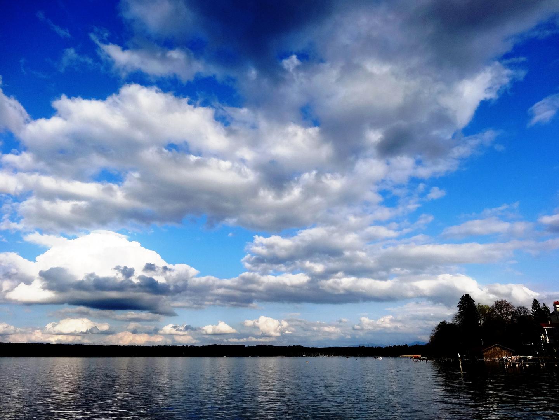 Osterwolken am Starnberger See
