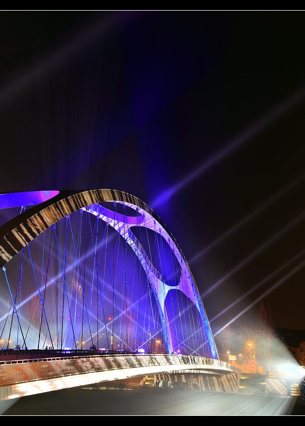 Osthafenbrücke 10