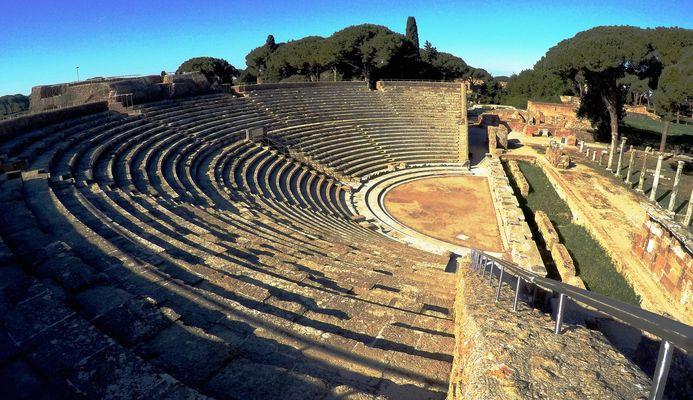 Ostia Antica il Teatro Romano