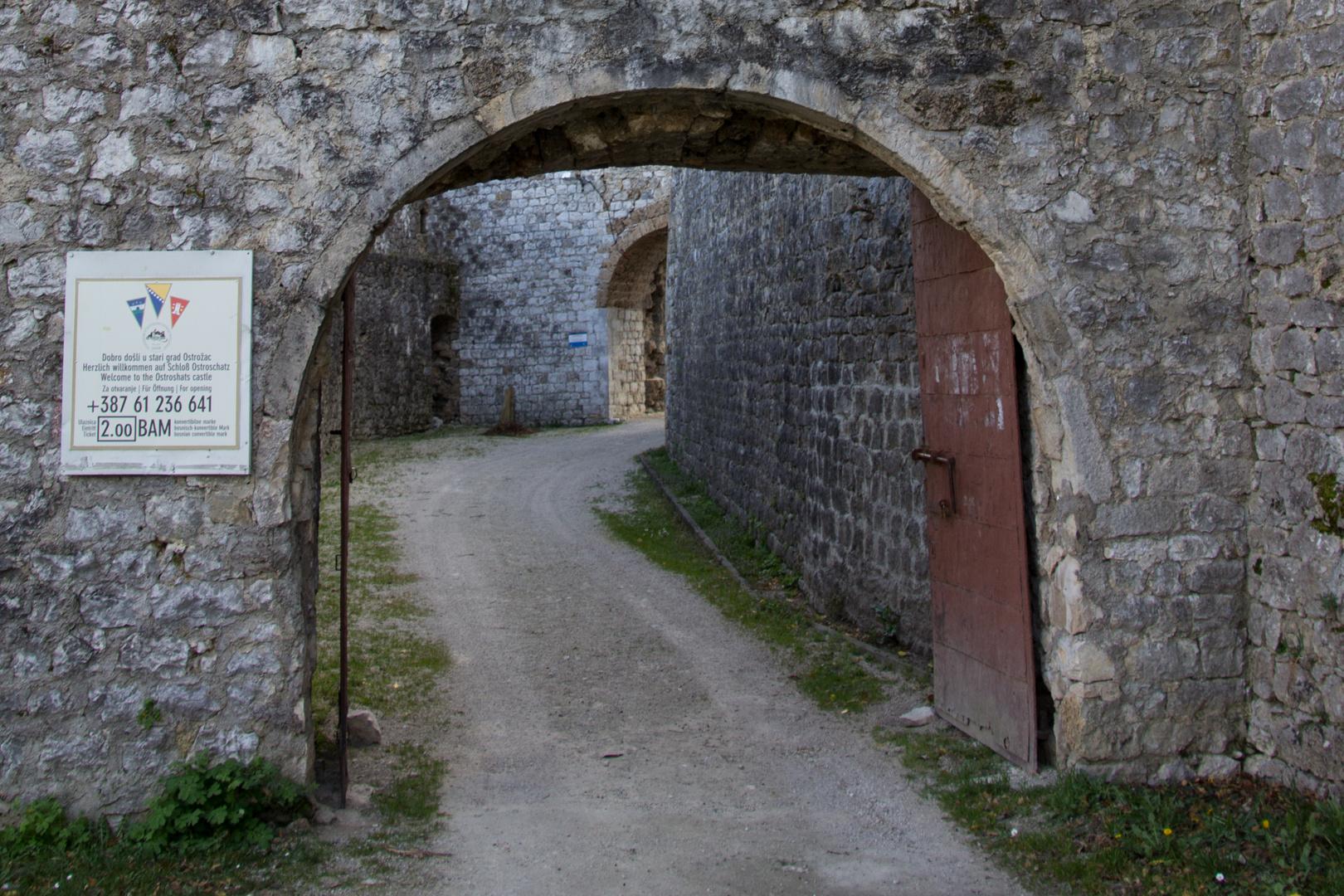 Ostroschatz Eingang