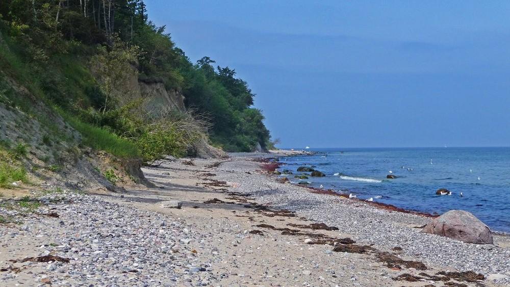 Ostsee Strand an der Steilküste bei Warnemünde