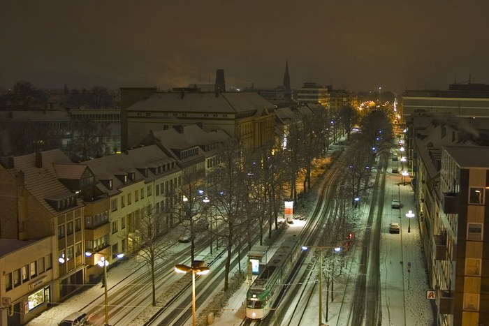 Ostwall in Krefeld bei Nacht