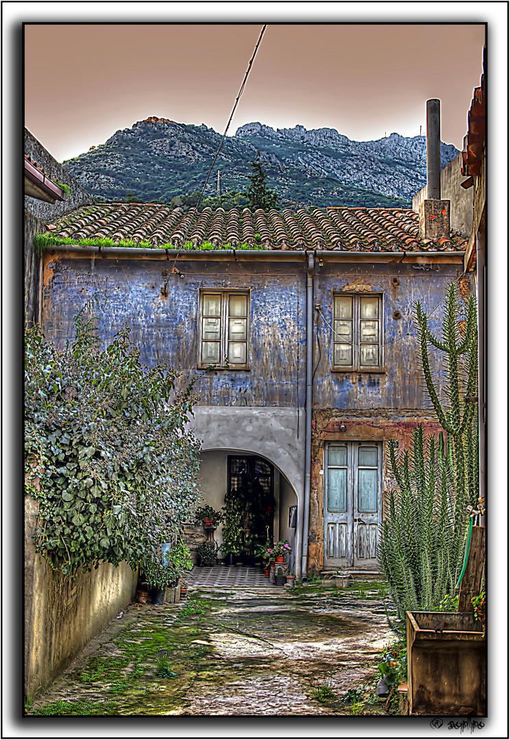 Otra casa azul, Oristano (Cerdeña)