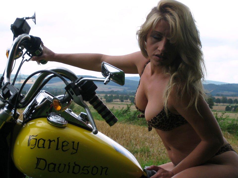 Outdoor im Sommer on Harley