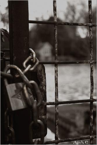 ouvre la porte ...