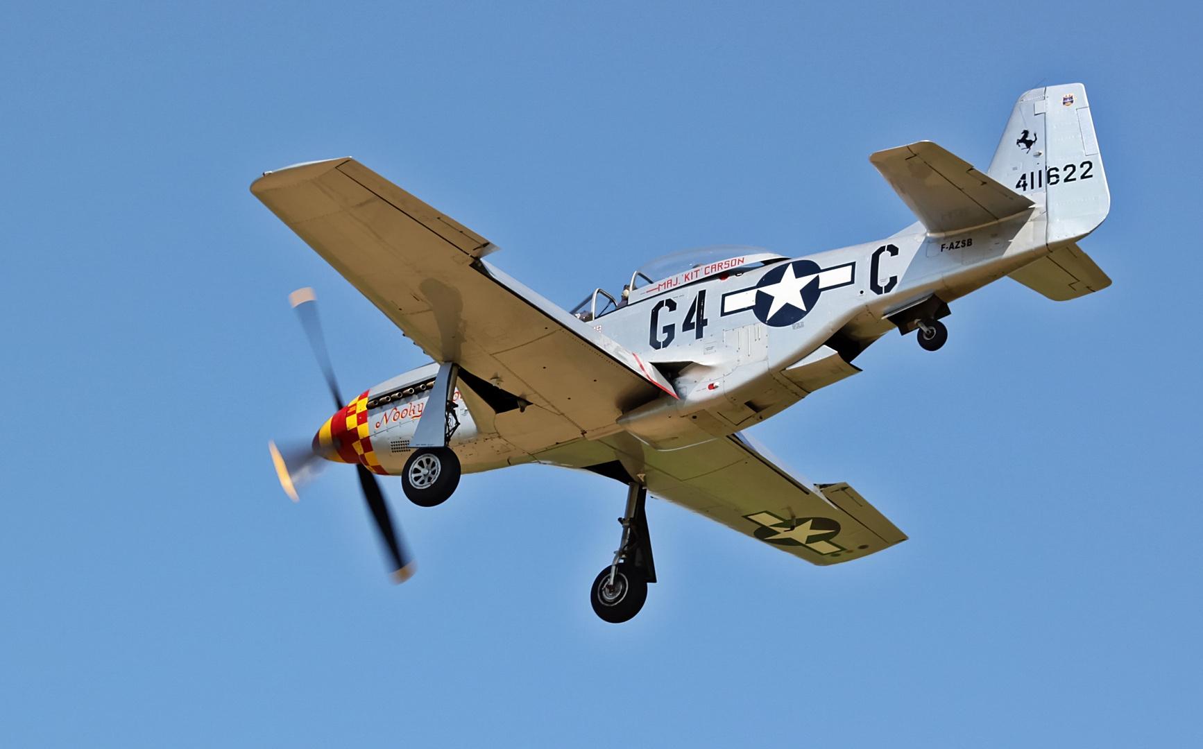 "P-51D Mustang ""Nooky Booky"" Hahnweide 2013 im Landeanflug"
