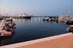 P1010688160516 - abends am Hafen