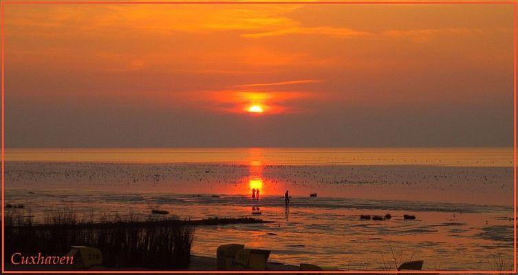 Paar im Sonnenuntergang  -  Cuxhaven Duhnen
