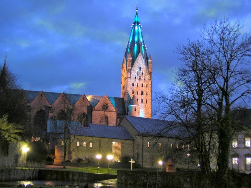 Paderborn bei Nacht