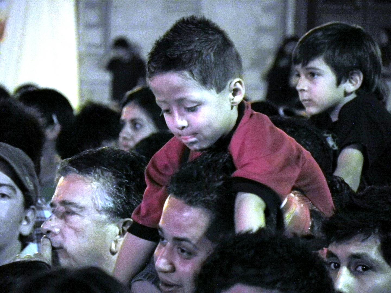 Padre, sobre tus hombros disfruto el concierto y estoy seguro