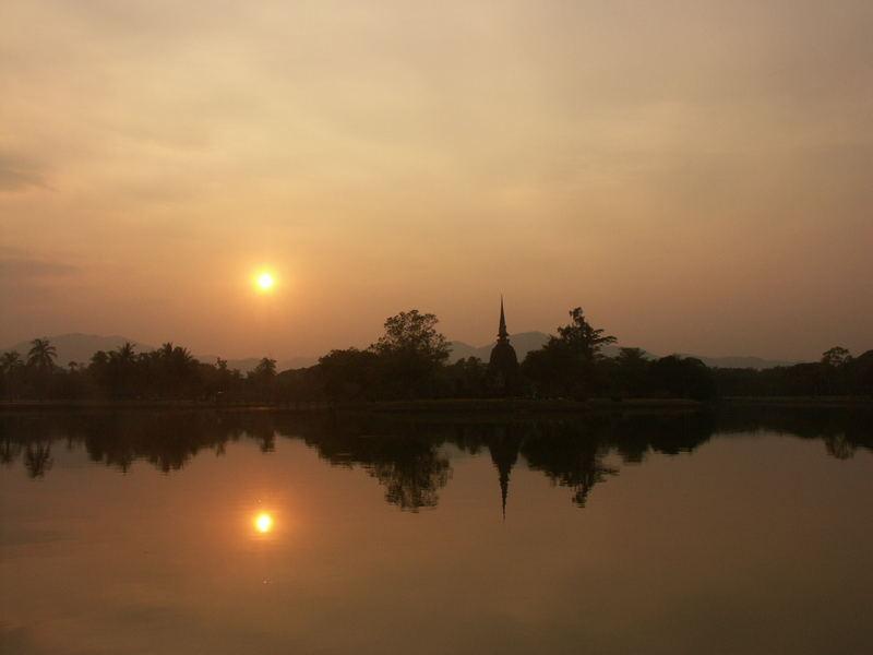 Pagode im Sonnenuntergang