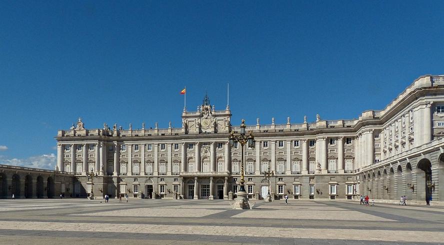 Palacia Real----