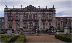 Palácio de Queluz.......Gardens.