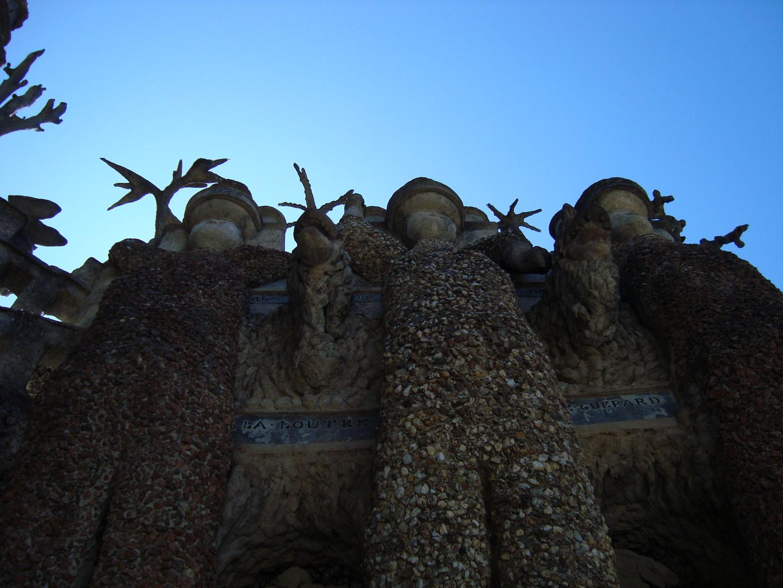 palais du facteur cheval:Les trois géants