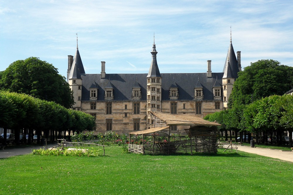 palais Ducal , Nevers 58000