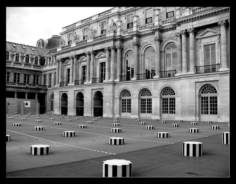 Palais Royal in Paris (schwarz/weiß)