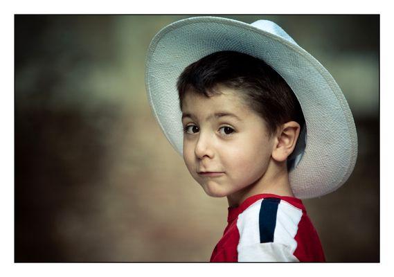 Panama hat faces 3