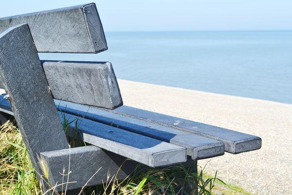 panchina sul mare