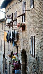 Panni stesi a San Gimignano