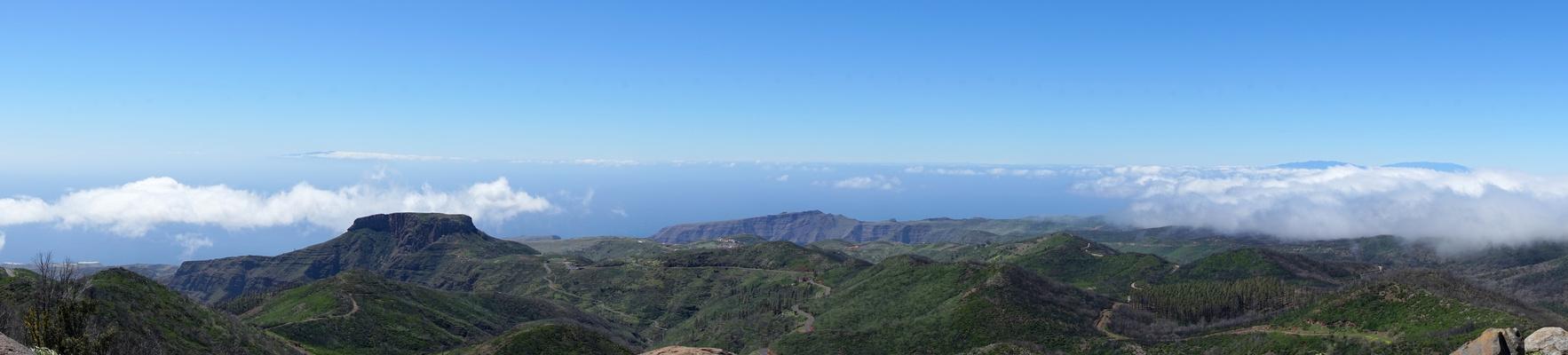 PANO: Desde el alto del Garajonay - im Hintergrund El Hierro UND La Palma