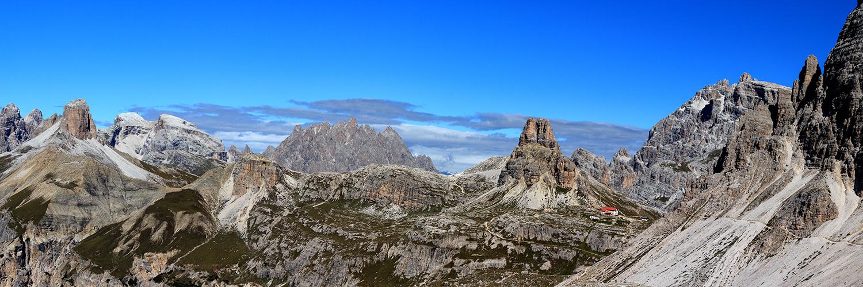 Pano mit Blick zur Dreizinnenhütte