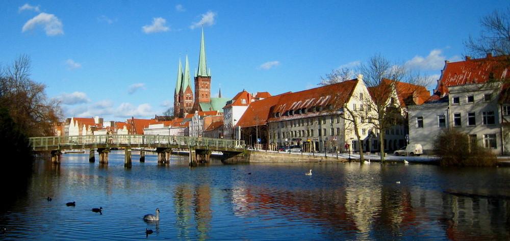 Panorama Ansicht Lübeck bei Schnee