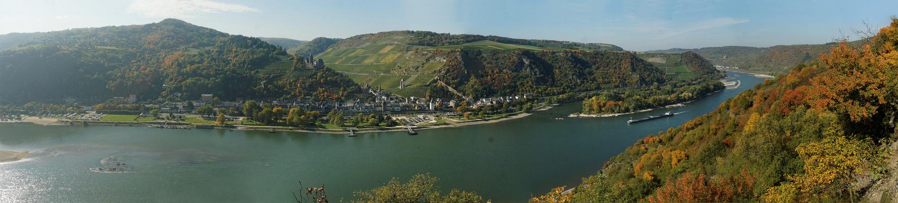 Panorama auf Bacharach im Mittelrheintal