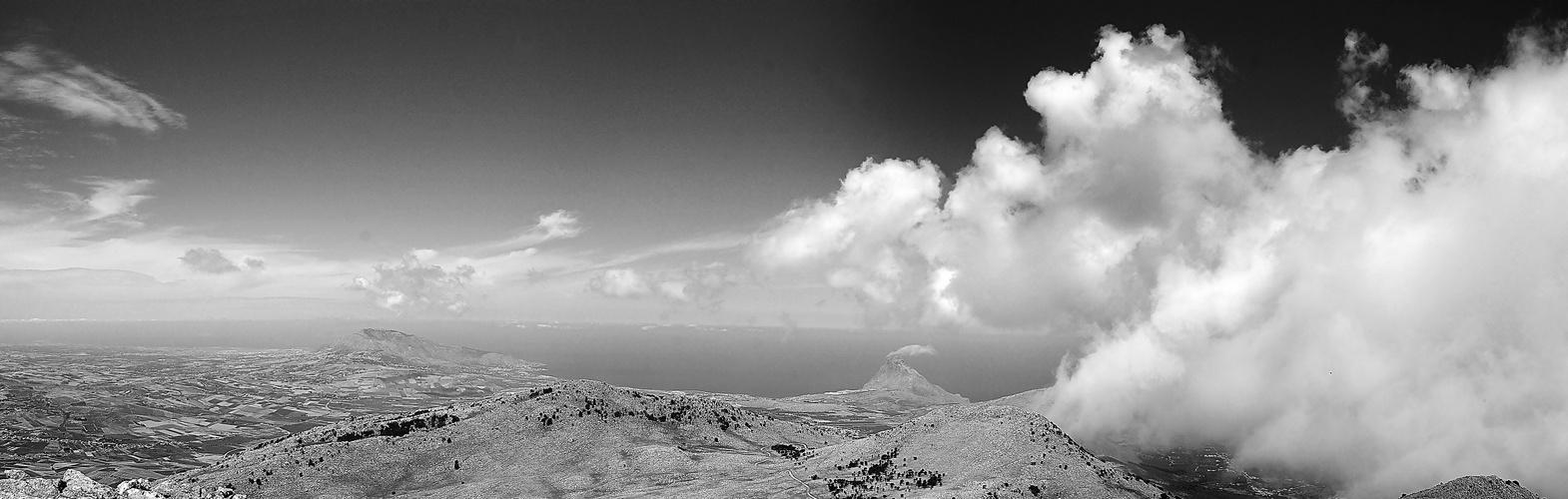 panorama bn da monte Sparacio