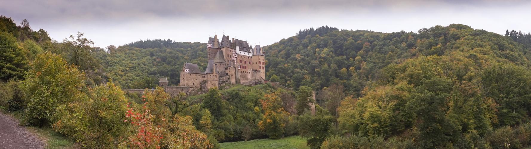 Panorama Burg Eltz