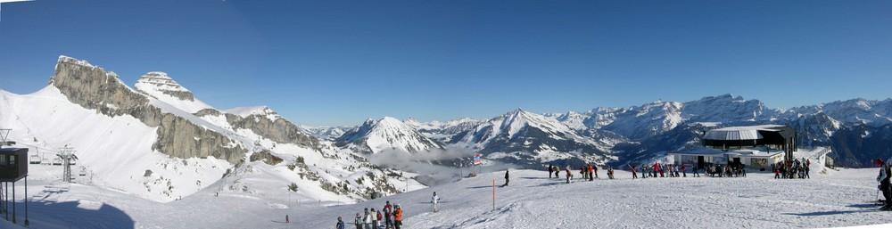 panorama des alpes Suisse depuis Leysin