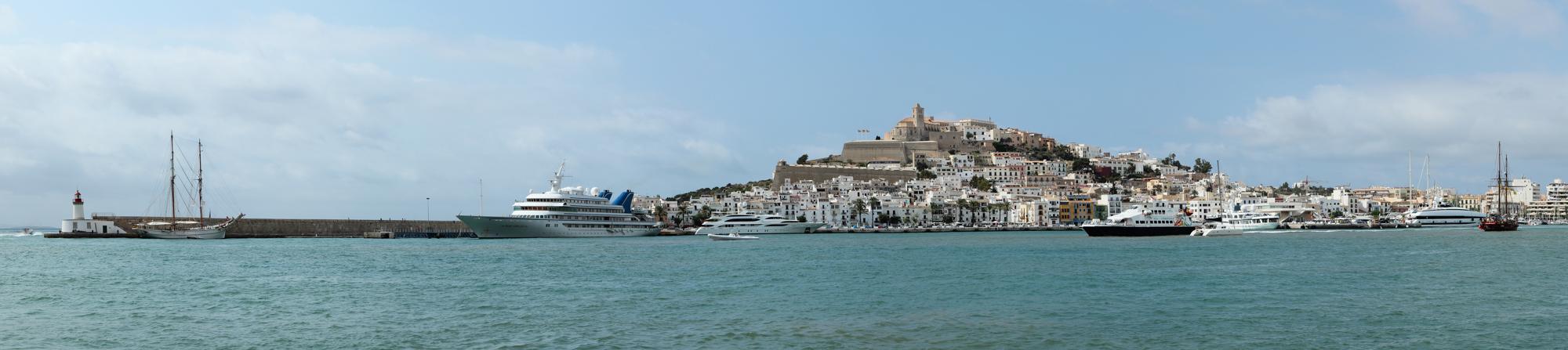 Panorama Eivissa mit dalt villa