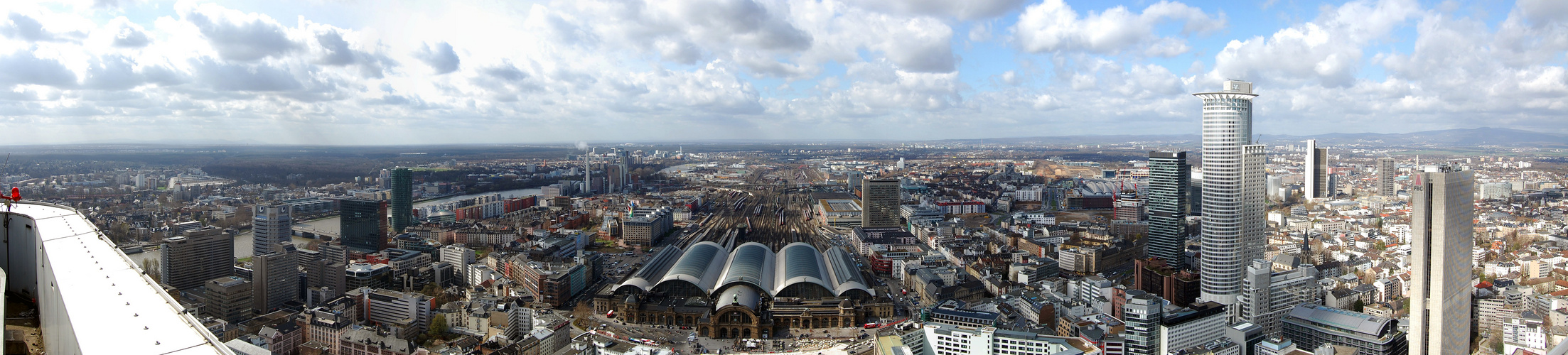 Panorama Frankfurt vom Silver Tower aus gesehen