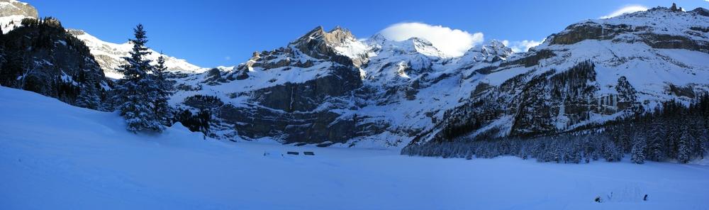 Panorama Oeschinensee im Winter