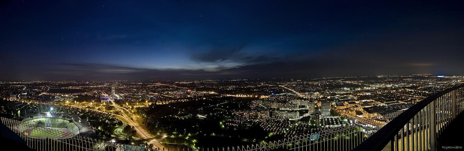 panorama vom olympiaturm m nchen foto bild architektur architektur bei nacht m nchen. Black Bedroom Furniture Sets. Home Design Ideas