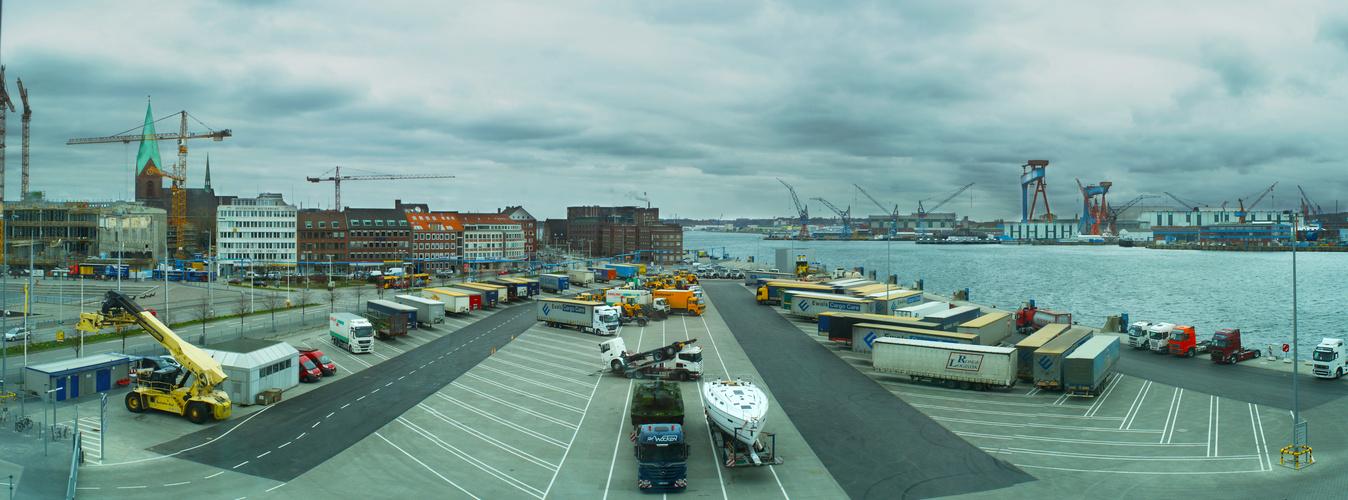 Panorama vom Ostseekai in Kiel