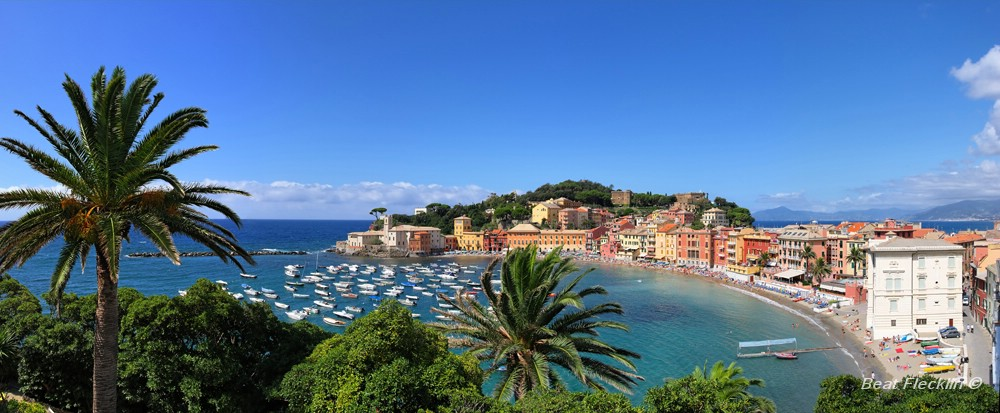 panorama von sestri levante ligurien italien foto. Black Bedroom Furniture Sets. Home Design Ideas